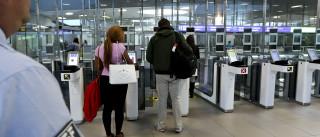 """SEF defende zonas """"restritas"""" em aeroportos para passageiros de risco"""