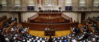 "Esquerda acusa PSD de ""descaramento"" sobre serviços públicos"