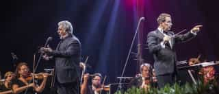 """O """"projeto completamente louco"""" de um concerto em pleno rio amazónico"""