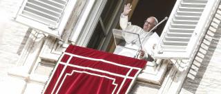 """Papa evoca mortos """"a sangue frio"""" na cidade iraquiana de Mossul"""