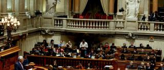 Quase dois meses depois, Costa regressa ao Parlamento