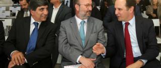 """Ministro do Ambiente afirma-se """"mais descansado"""" sobre riscos de armazém"""