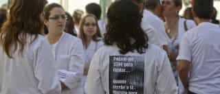 Enfermeiros protestam contra interrupção de cuidados