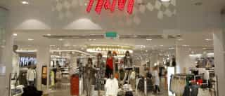 H&M volta a usar roupa velha de clientes para criar coleção sustentável