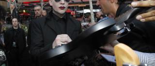 "Marilyn Manson quer namorar com uma ""boa rapariga"""