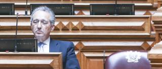 """Partidos políticos caíram no """"profundo desprestígio"""""""