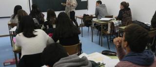 Mais de 1.500 professores dos quadros ainda não tem turma