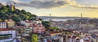 Bloco, PCP, PSD e CDS avançam com propostas sobre alojamento local