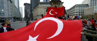 Dois generais demitem-se antes de reunião do Conselho Militar Supremo