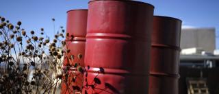 Barril de petróleo abre em alta a valer 46,32 dólares