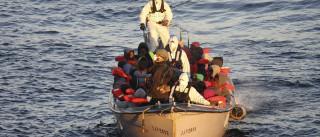 Pelo menos 250 migrantes africanos morreram no Mediterrâneo