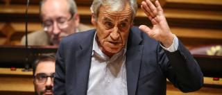 Jerónimo critica Governo e Marcelo por renegociação da dívida