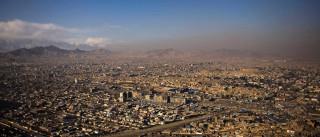 Cabul: Dois mortos e 12 feridos em ataque a universidade que prossegue