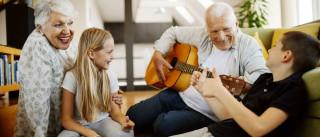 Dia dos avós: Os benefícios desta 'profissão'