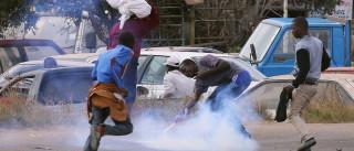 Polícia do Zimbabué dispersa manifestação contra violência policial