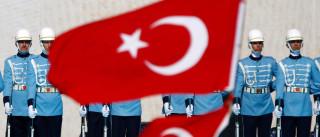 Turquia advertiu Quirguistão sobre risco de golpe de Estado