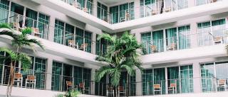 Homem morre após queda do 5.º andar de hotel em Albufeira