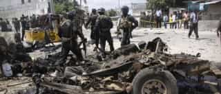 Somália: Explosão de carro bomba, seguido de tiroteio na praia