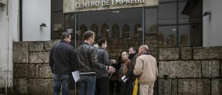 PCP e Bloco propõe fim do corte de 10% no subsídio de desemprego