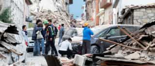 Sismo de magnitude 6,2 faz pelo menos três mortos em Itália