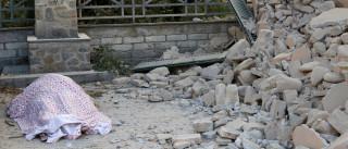 Imagens de drone revelam destruição do sismo no centro de Itália