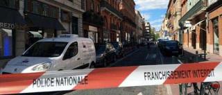 Polícia esfaqueada junto a esquadra em Toulouse