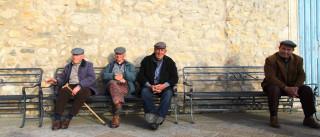 Solidão e pensões estagnadas: A realidade dos nossos idosos