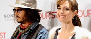 """Angelina Jolie está a ser """"consolada"""" por Johnny Depp"""