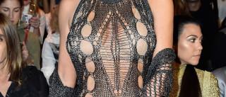Será este um dos looks mais estranhos de Kim Kardashian?
