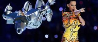 Katy Perry: 32 anos, 32 roupas extravagantes