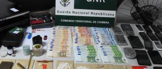 Quatro detidos, 5 mil euros e 400 doses de droga apreendidas em Coimbra