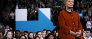 FBI volta a investigar polémicos e-mails de Hillary Clinton