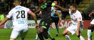 [0-0] Bruno César cai na área e pede penálti. Vasco Santos nada marca