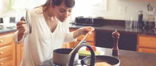 Não é imaginação, a comida da mãe sabe sempre melhor. Estudo explica