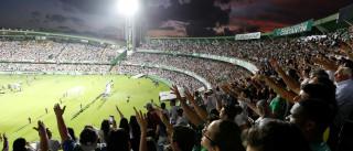 Final da Taça do Brasil marcada por lágrimas com homenagem a Chapecoense