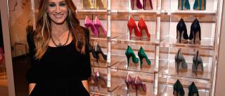 Sara Jessica Parker realiza sonho (seu e de todas as amantes de sapatos)