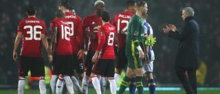 Em dia de triunfo, Mourinho até deixou elogios... ao apanha bolas