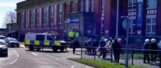 Escola de Manchester em alerta após ameaça de pessoa armada