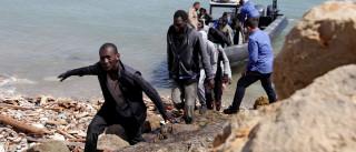 Naufrágio na costa líbia provoca pelo menos sete mortos, 77 socorrridos