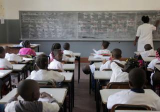 Professores angolanos denunciam intimidações devido a greve em abril