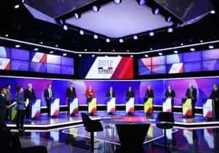França: Eleitores escolhem hoje quem passa à segunda volta
