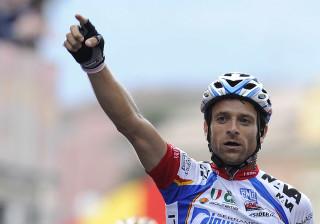 Morreu Scarponi, vencedor do Giro em 2011, vítima de atropelamento