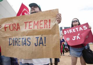 Confrontos entre polícia e manifestantes em protesto contra Temer