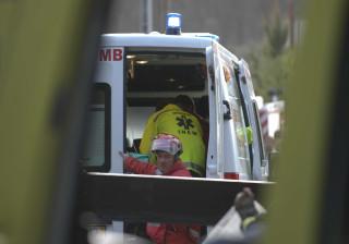 Um morto em despiste que levou carro a embater numa casa