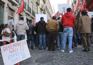 Beneficiários de prestações de desemprego caem