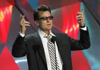 Charlie Sheen garante que não é o único com o vírus da Sida em Hollywood