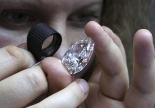 Parecia bijutaria, mas não era: Anel de 11 euros tinha diamante real