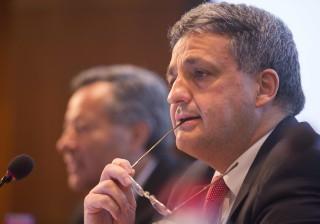 Aprovada audição de Mário Centeno e Paulo Macedo sobre prejuízos da CGD