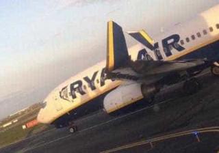 Passageiros perdem voo e culpam segurança. Ryanair demarca-se