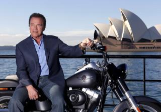 Schwarzenegger dá lição a